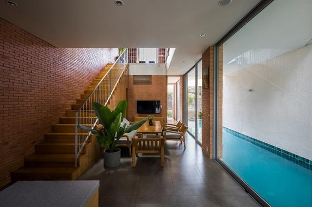 Giấu cả bể bơi trong phòng khách, ngôi nhà ba thế hệ ở TPHCM gây ấn tượng mạnh - 8