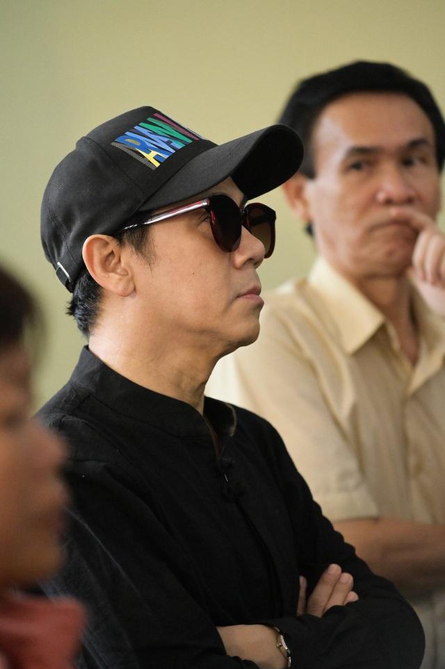 Đồng nghiệp tiễn đưa nghệ sĩ Lê Bình về nơi an nghỉ cuối cùng - 4