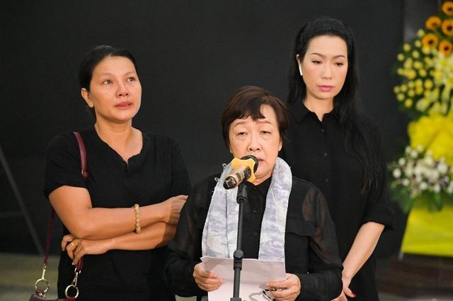 Đồng nghiệp tiễn đưa nghệ sĩ Lê Bình về nơi an nghỉ cuối cùng - 7