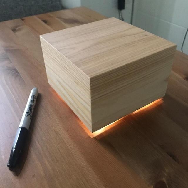 Ông chủ Facebook sáng chế chiếc hộp đặc biệt để giúp vợ ngủ ngon - 1