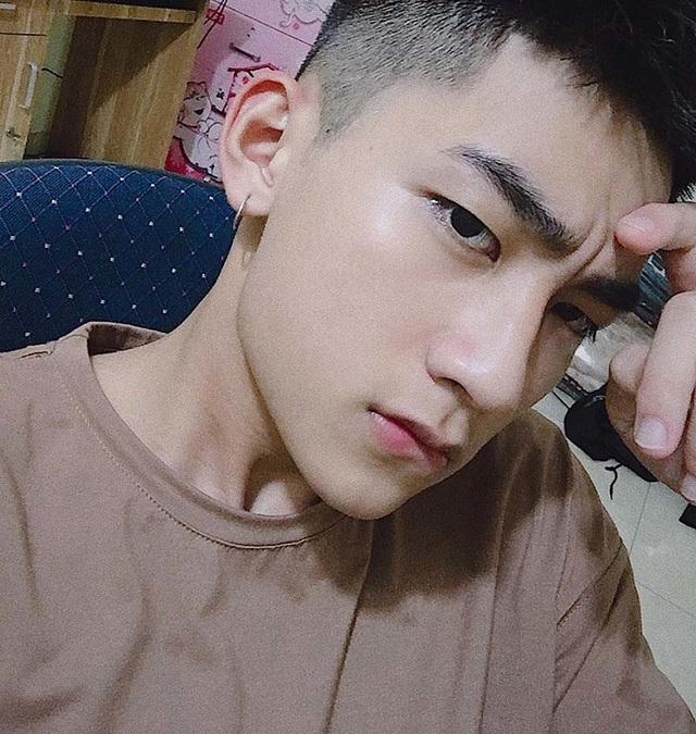 """Nam sinh Hà Nội được ví là """"cực phẩm"""", góc nghiêng giống ca sĩ Sơn Tùng M-TP - 2"""