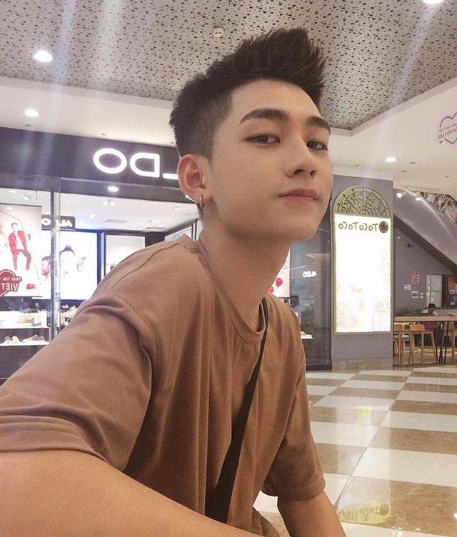 """Nam sinh Hà Nội được ví là """"cực phẩm"""", góc nghiêng giống ca sĩ Sơn Tùng M-TP - 3"""