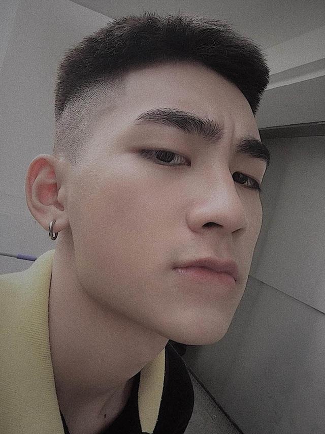 """Nam sinh Hà Nội được ví là """"cực phẩm"""", góc nghiêng giống ca sĩ Sơn Tùng M-TP - 5"""