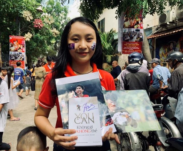 Quang Hải, Bùi Tiến Dũng, Đoàn Văn Hậu tặng sách truyền cảm hứng Hạt Giống Tâm Hồn - 6