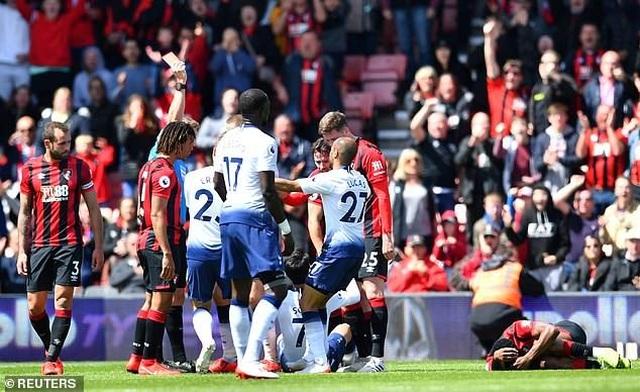 Nhìn lại tình huống Tottenham thất bại vì 2 chiếc thẻ đỏ oan nghiệt - 5