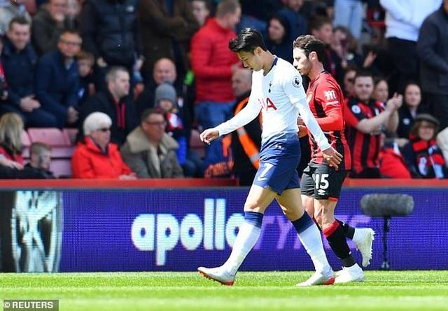 Nhìn lại tình huống Tottenham thất bại vì 2 chiếc thẻ đỏ oan nghiệt - 6