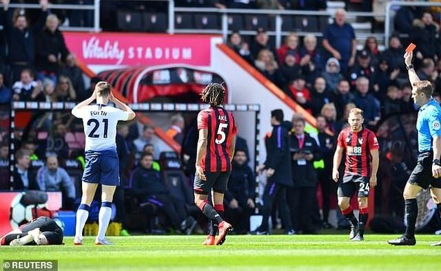 Nhìn lại tình huống Tottenham thất bại vì 2 chiếc thẻ đỏ oan nghiệt - 10