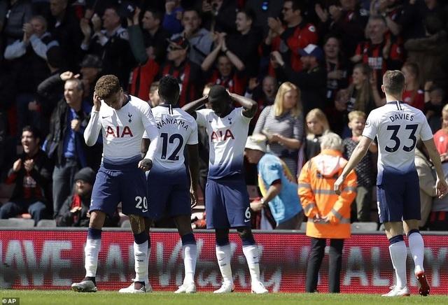 Nhìn lại tình huống Tottenham thất bại vì 2 chiếc thẻ đỏ oan nghiệt - 14
