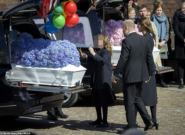 Tỷ phú Đan Mạch đau buồn tiễn đưa 3 con thiệt mạng vì vụ đánh bom ở Sri Lanka - 2