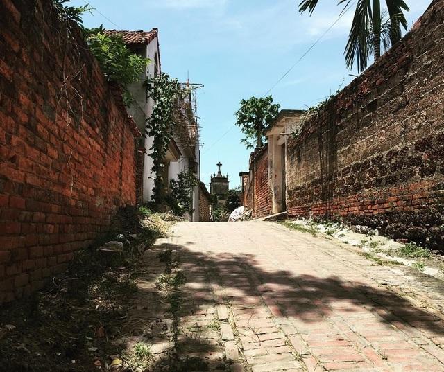 Khám phá ngôi làng lưu giữ 900 ngôi nhà cổ ngay gần Hà Nội - 1