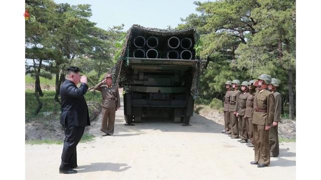 Dàn vũ khí Triều Tiên khai hỏa trong cuộc tập trận phòng thủ - 9