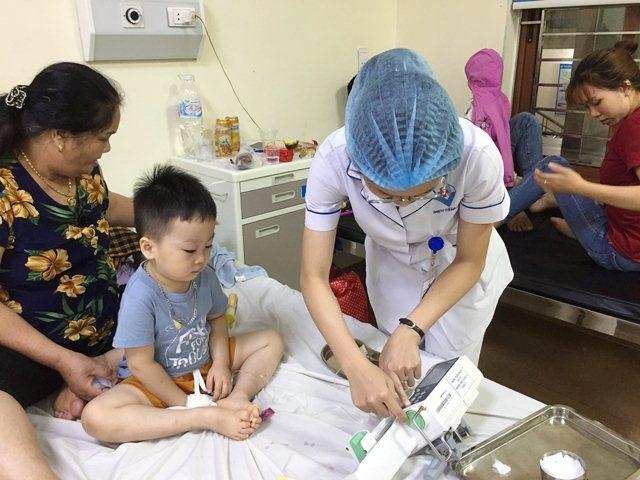 Hơn 100 trẻ nhập viện vì cúm, bác sĩ chỉ cách cần làm ngay để tránh mắc bệnh này - 2