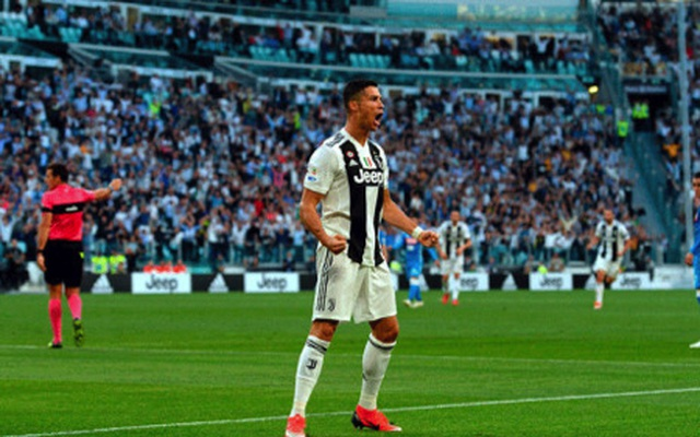 """C.Ronaldo bất ngờ hoá """"siêu anh hùng"""" để đấu với người ngoài hành tinh - 3"""
