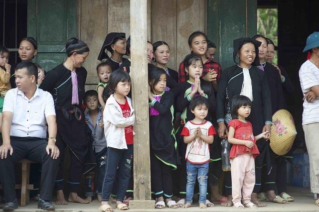 Hơn 1300 người chạy dưới mưa, góp tiền đồng hành cùng báo Dân trí xây trường tặng các em học sinh dân tộc tại Lai Châu - 5