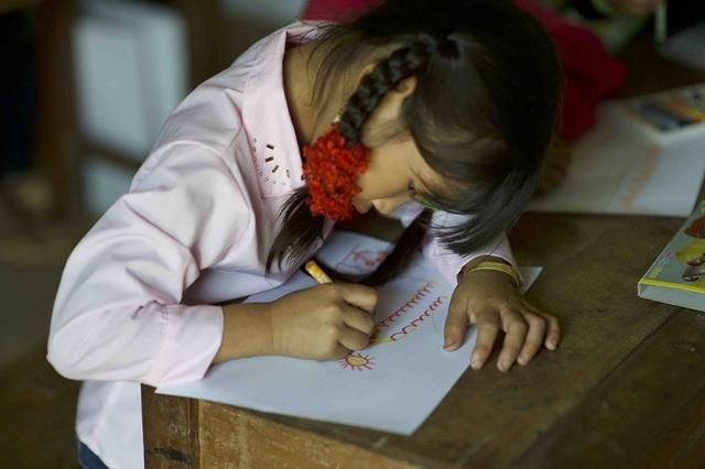 Hơn 1300 người chạy dưới mưa, góp tiền đồng hành cùng báo Dân trí xây trường tặng các em học sinh dân tộc tại Lai Châu - 24