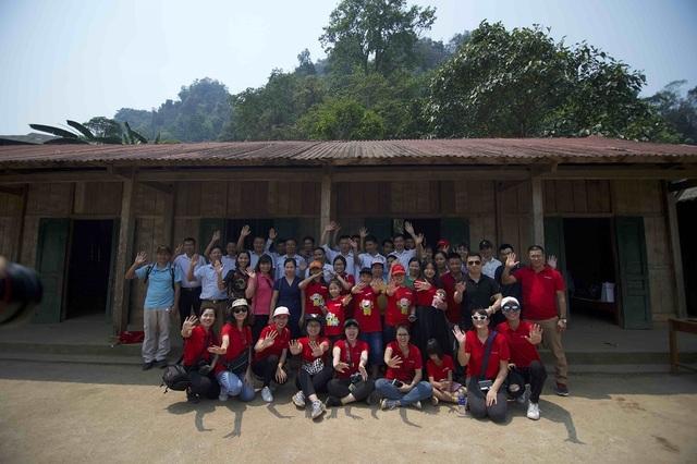 Hơn 1300 người chạy dưới mưa, góp tiền đồng hành cùng báo Dân trí xây trường tặng các em học sinh dân tộc tại Lai Châu - 26