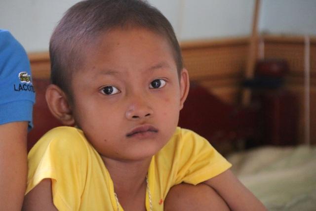 Khâm phục nghị lực phi thường của bé gái 10 tuổi  bị cắt một phần lá gan vì ung thư - 4