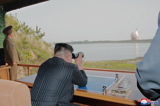 Dàn vũ khí Triều Tiên khai hỏa trong cuộc tập trận phòng thủ - 8