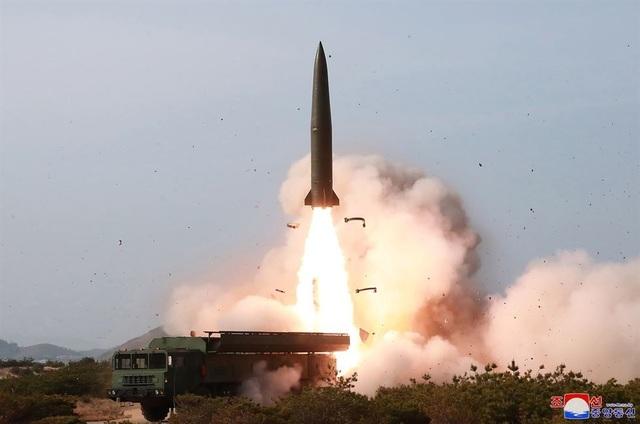 Dàn vũ khí Triều Tiên khai hỏa trong cuộc tập trận phòng thủ - 3