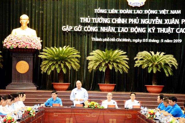Thủ tướng: Công nhân cần giảm thời gian lướt web, chơi game và ngồi cà phê - 3