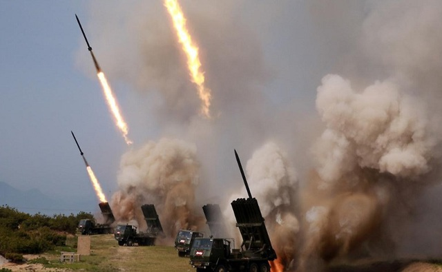 Ông Kim Jong-un trực tiếp thị sát vụ phóng tên lửa đầu tiên sau gần 2 năm - 1