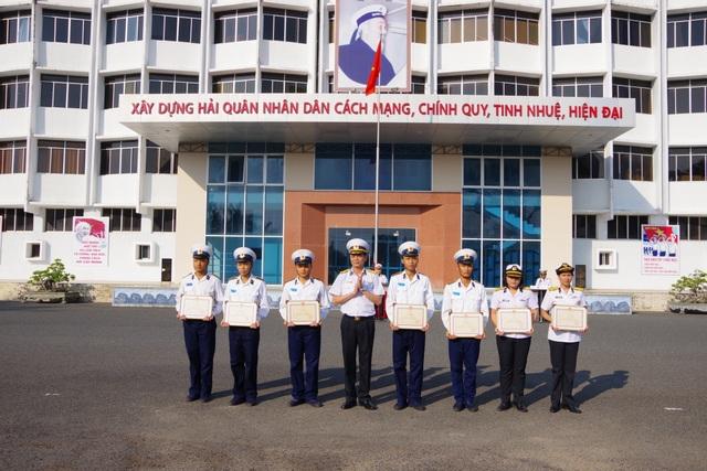 Học viện Hải Quân khen thưởng thành tích học viên dự thi Olympic Toán học - 2