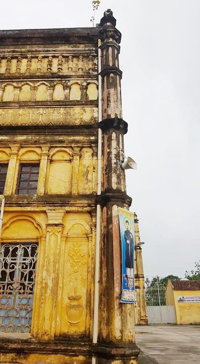 Cận cảnh thánh đường Bùi Chu 134 tuổi trước nguy cơ bị dỡ bỏ - 7