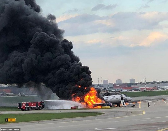 Phi công điều khiển máy bay Nga lên tiếng sau vụ tai nạn làm 41 người chết - 1