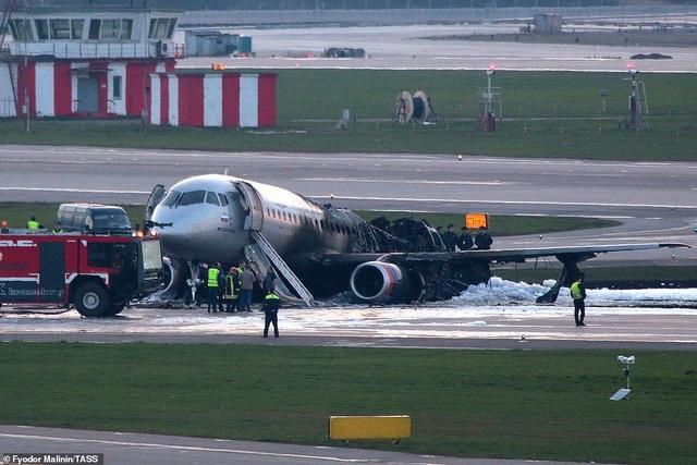 19 phút kinh hoàng của hành khách trên máy bay Nga gặp nạn - 1