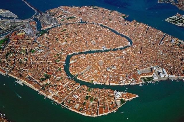 Ấn tượng với quy hoạch thành phố độc đáo nhìn từ trên cao - 5
