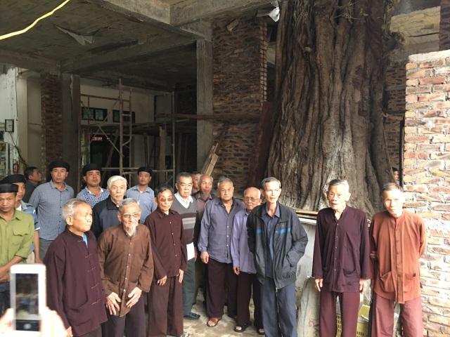 Cả làng kêu cứu vì cây bồ đề hàng trăm tuổi bị xâm hại - 1