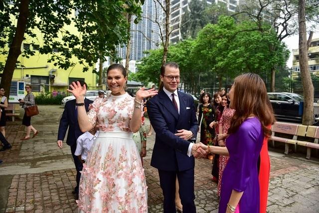 """Công chúa Thụy Điển thăm trường thực nghiệm, cổ vũ """"giấc mơ Nobel"""" của học sinh Việt - 3"""