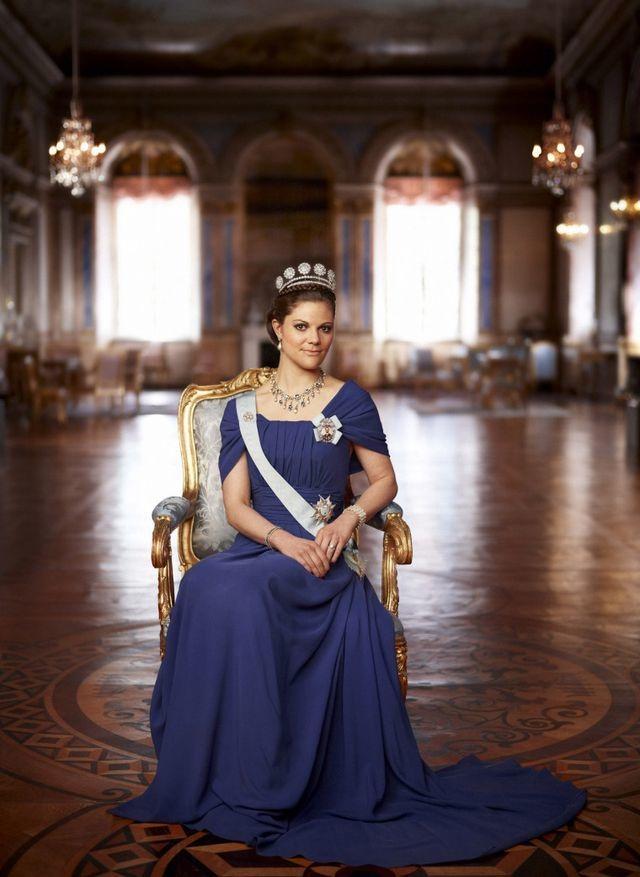 Công chúa kế vị Thụy Điển thành thạo 3 ngoại ngữ - 1