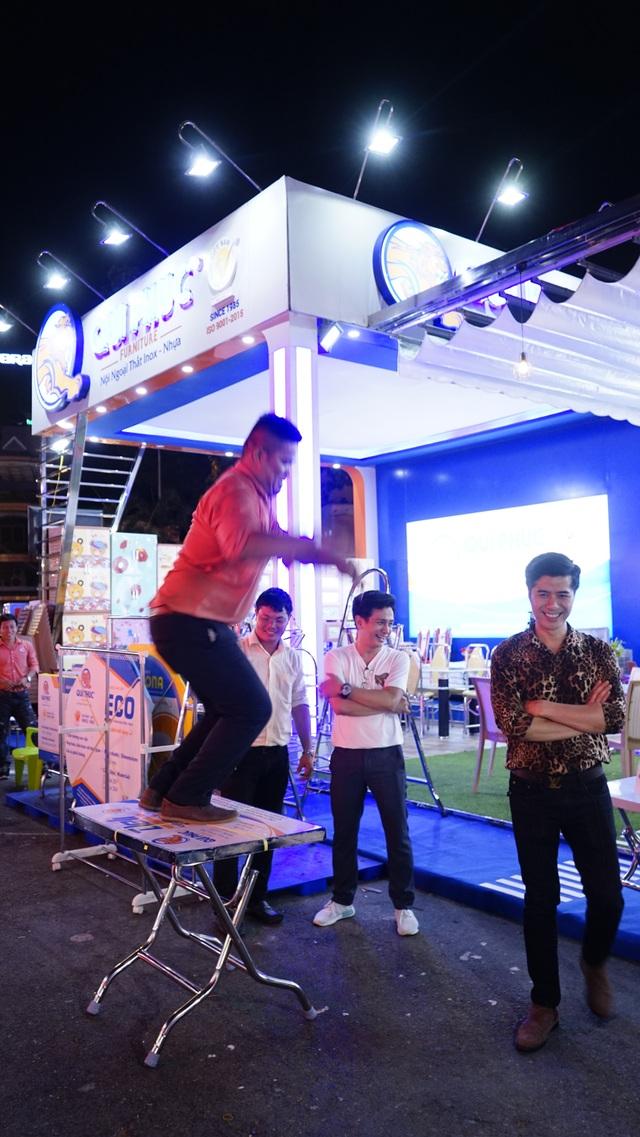 Đại sứ hàng Việt bất ngờ khi thấy thiết bị nội thất ở nhà mình có mặt… tại hội chợ! - 3
