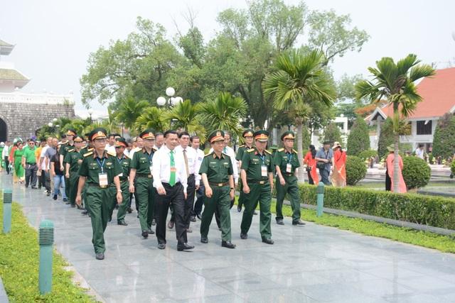 Quỹ Vòng tay đồng đội tiếp tục trao 200 triệu đồng giúp đỡ học sinh nghèo tỉnh Điện Biên - 3