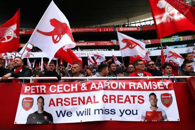 """Arsenal xác nhận chia tay """"chân gỗ"""" Welbeck - 2"""