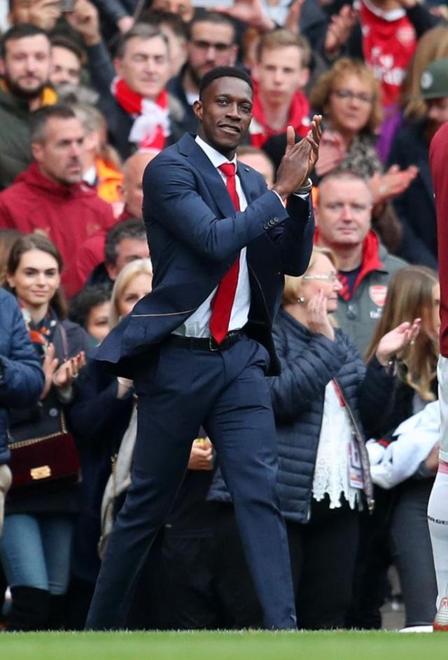 """Arsenal xác nhận chia tay """"chân gỗ"""" Welbeck - 1"""