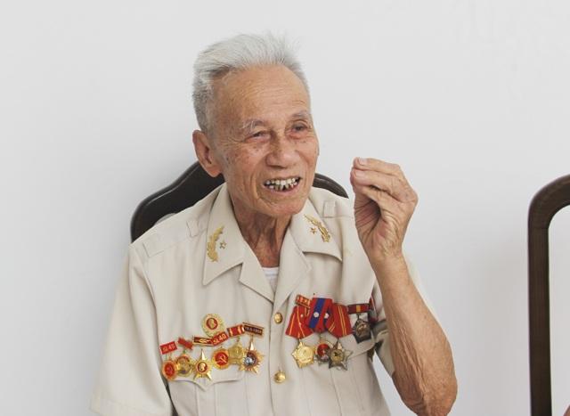 """""""Nhờ anh nói với cha mẹ em ở nhà: Em đã chiến đấu và hi sinh ở Điện Biên!"""" - 1"""