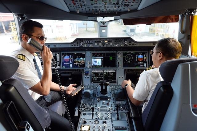 Nhận lương hàng trăm triệu mỗi tháng, phi công Vietnam Airlines vẫn bỏ đi? - 1