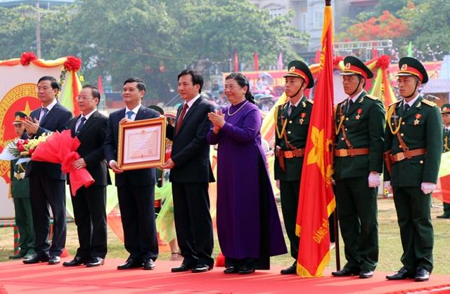 Tỉnh Điện Biên đón nhận Huân chương độc lập hạng Nhất - 2