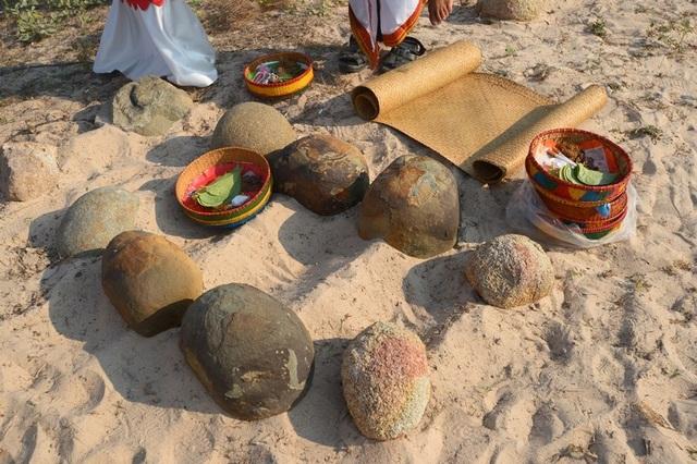 Đặc sắc lễ tảo mộ trong ngày hội Ramưwan của người Chăm - 12