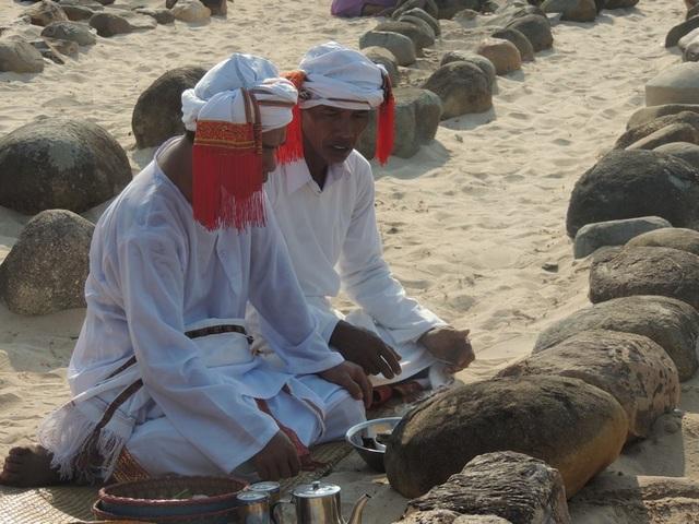 Đặc sắc lễ tảo mộ trong ngày hội Ramưwan của người Chăm - 20