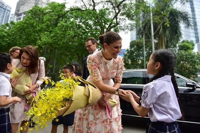 """Công chúa Thụy Điển thăm trường thực nghiệm, cổ vũ """"giấc mơ Nobel"""" của học sinh Việt - 2"""