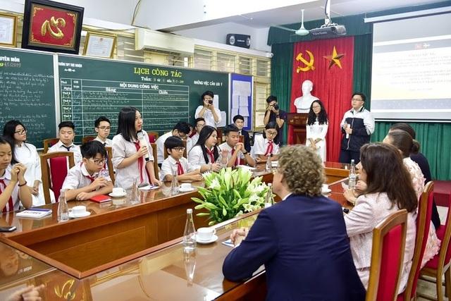 """Công chúa Thụy Điển thăm trường thực nghiệm, cổ vũ """"giấc mơ Nobel"""" của học sinh Việt - 8"""