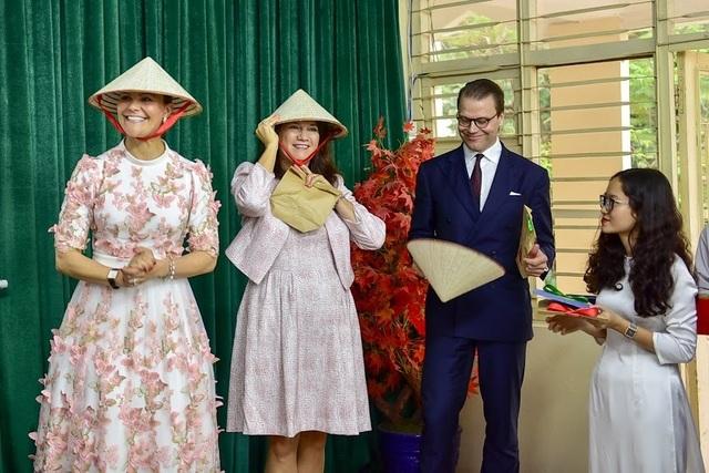 """Công chúa Thụy Điển thăm trường thực nghiệm, cổ vũ """"giấc mơ Nobel"""" của học sinh Việt - 14"""