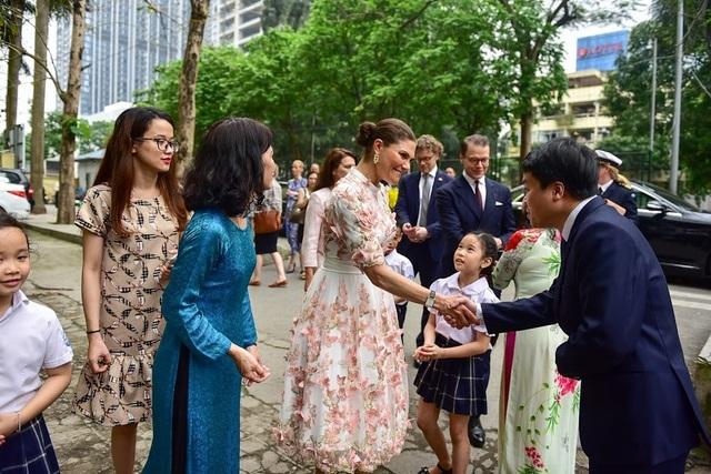 """Công chúa Thụy Điển thăm trường thực nghiệm, cổ vũ """"giấc mơ Nobel"""" của học sinh Việt - 1"""