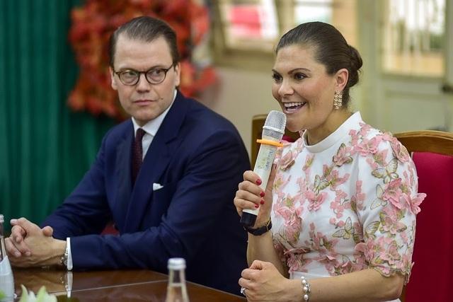 """Công chúa Thụy Điển thăm trường thực nghiệm, cổ vũ """"giấc mơ Nobel"""" của học sinh Việt - 7"""