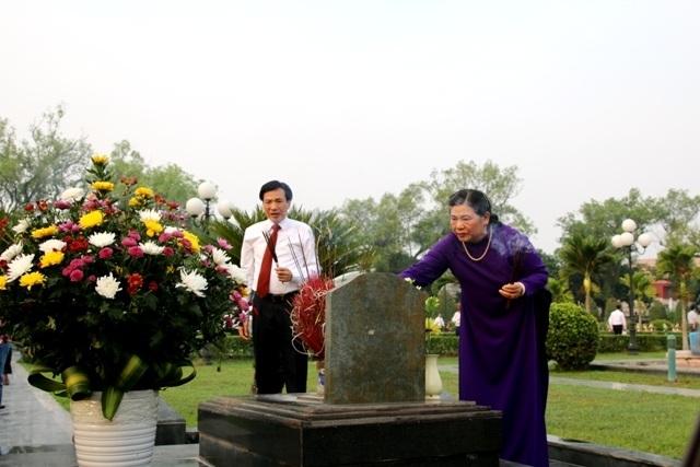Lãnh đạo Đảng, Nhà nước viếng các anh hùng liệt sĩ tại Nghĩa trang A1 - 3