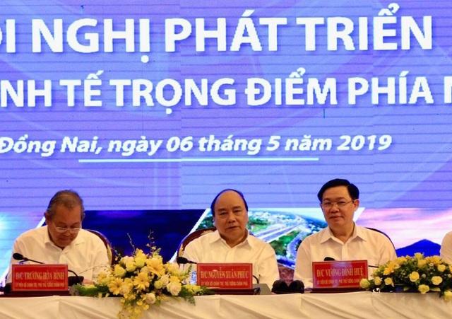 Thủ tướng: Không nói nhiều thành tích, đi thẳng vào yếu kém để khắc phục! - 1