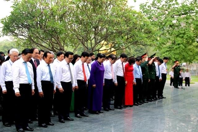 Lãnh đạo Đảng, Nhà nước viếng các anh hùng liệt sĩ tại Nghĩa trang A1 - 2